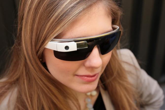 """Фото:""""Очки дополненной реальности Google Glass стали солнцезащитными"""""""