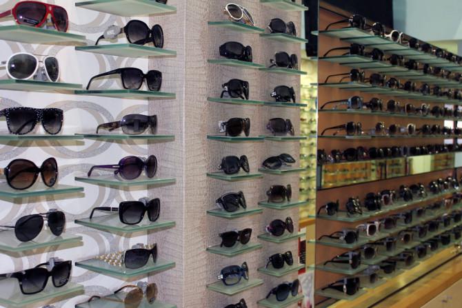 """Фото:""""Распространенные способы приобретения оригинальных солнцезащитных очков"""""""