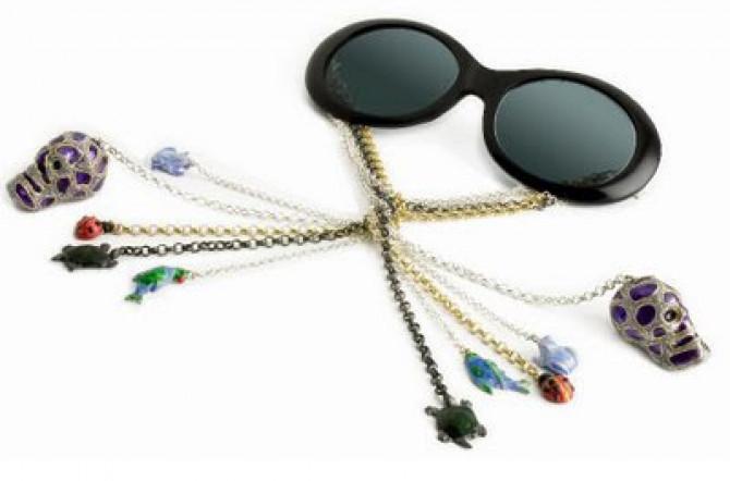 """Фото:""""Солнцезащитные очки с паучком за 2500 евро"""""""