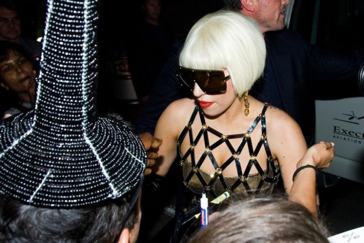 """Фото:""""Стильные очки, неповторимый стиль lady Gaga"""""""